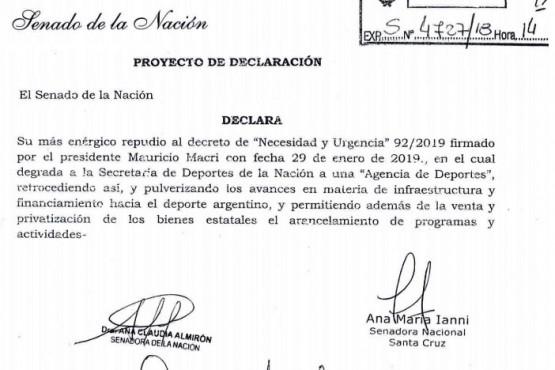 Ianni impulsó repudio y proyecto de ley por la derogación del decreto