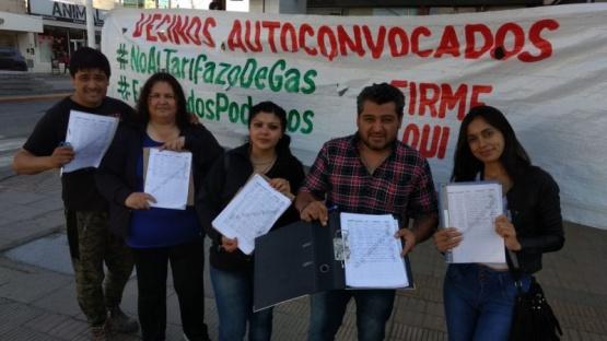 En una tarde juntaron más de mil firmas contra el tarifazo