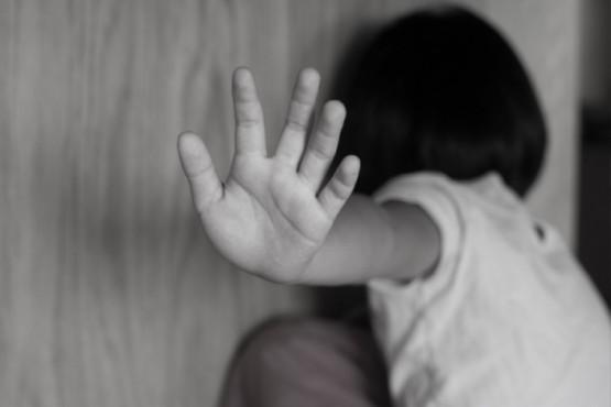 Abusador de su propia hija sigue detenido para profundizar la investigación