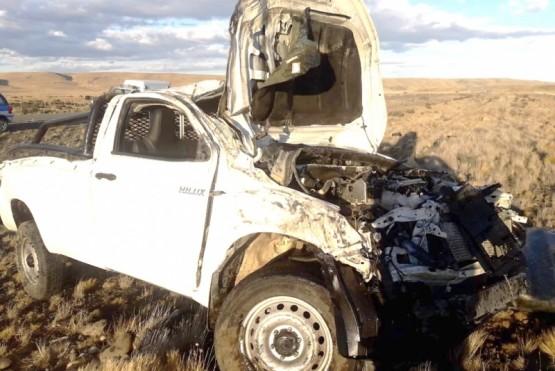 Murió un hombre en violento vuelco de una camioneta en la Ruta 40
