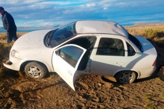 Turistas ilesos luego de volcar auto cuando regresaban a El Calafate