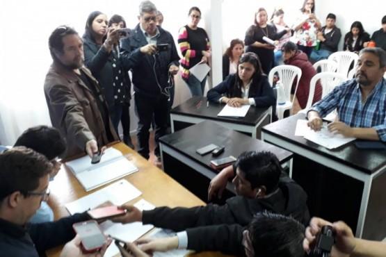 Se aprobó la renuncia de Atanasio Pérez Osuna