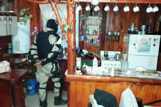 Abigeato: secuestran armas, elementos de faena y carne escondida hasta en un lavarropas