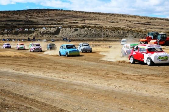 Se corrió el Gran Premio de automovilismo en La Fiesta del Lago