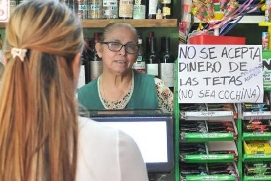 """Comerciante """"no se acepta dinero de las tetas"""""""
