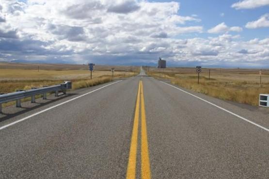 Precaución por traslado de equipos petroleros por la Ruta 3