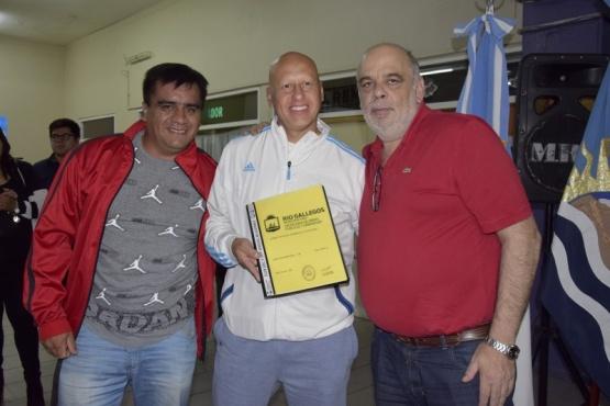 Intendente entregó certificados de ocupación a más de 40 vecinos del Bicentenario