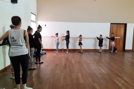 Comenzó la Master Class en la Escuela Provincial de Danzas