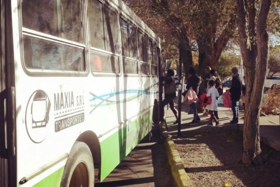 Trabajadores de la educación y estudiantes no pagarán boleto