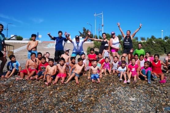 Actividades recreativas en el marpara los niños