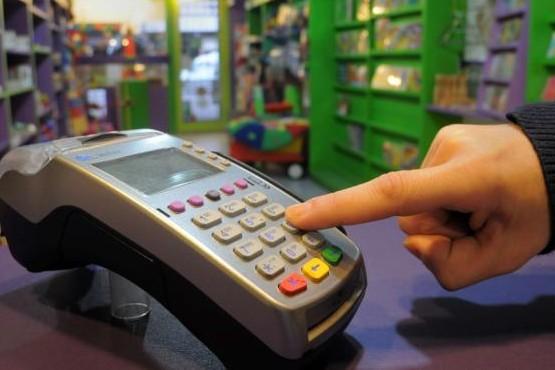 Defensa al consumidor advierte reclamos por aumento hasta 185% en cuotas