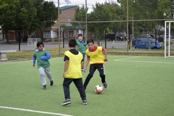 Hoy comenzó 'Verano Jugado' en el Parque Urbano y gimnasios municipales