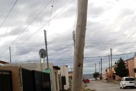 Vecinos temen por la caída del alumbrado público