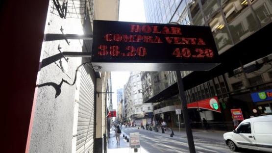 El dólar subió a $ 40,32, su valor más alto en cuatro meses