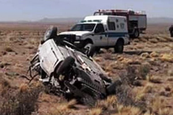 Un hombre resultó herido tras volcar en Paso de Indios