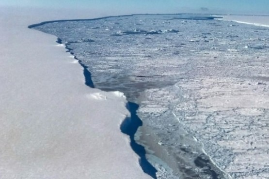 La Antártida se rompe en icebergs gigantes y advierten sobre sus efectos en el clima