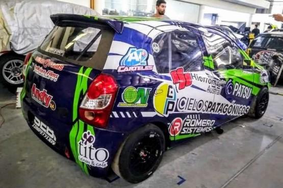 Martínez, con nueva imagen en el auto