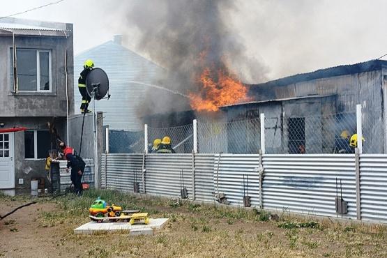 Una familia perdió todas sus pertenencias en un incendio