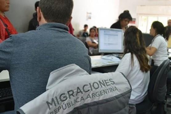 Por primera vez echan del país a un condenado por violación en Chubut