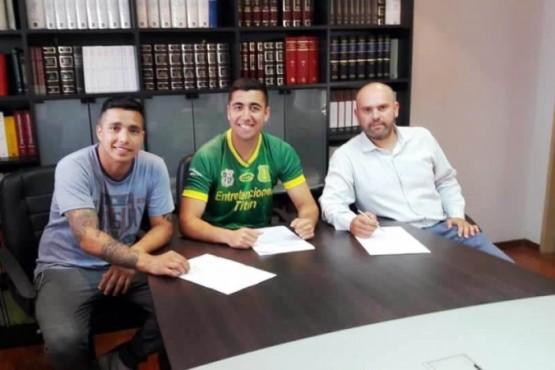 José Chacón firmó con el Deportivo Caupolican de Chile