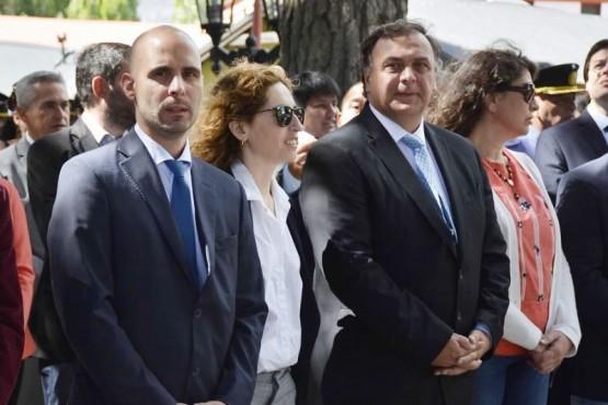 Javier Belloni junto a los ministros Basanta y García.