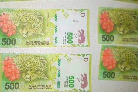 Encuentran billetes falsos en allanamientos por robo