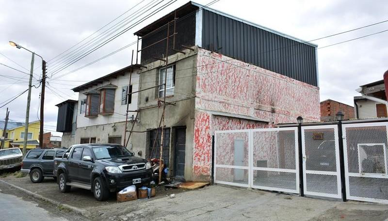 El incendio de desató en una vivienda de tres pisos en La Paz al 700. (C.R.)