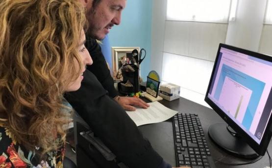 Entregaron computadoras para avanzar con la histórica clínica electrónica