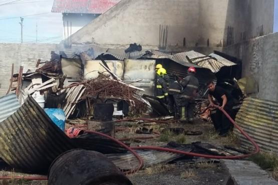 Se incendió un galpón en el centro de Río Gallegos