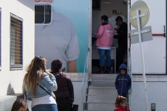 Unidad sanitaria móvil se encuentra atendiendo en le barrio La Cantera