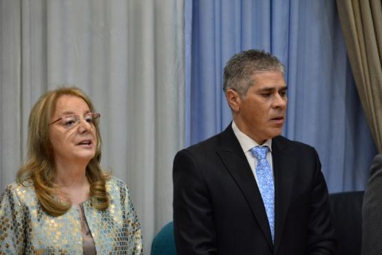Alicia Kirchner y Pablo González al inicio de la sesión. (C,R)