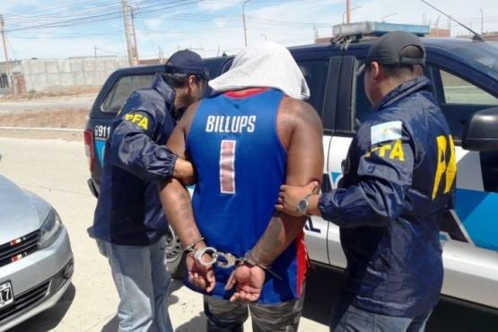 Similares a estas capsulas fueron la ingeridas por el pasajero. Cada vez más dominicanos son detenidos por causas de drogas.