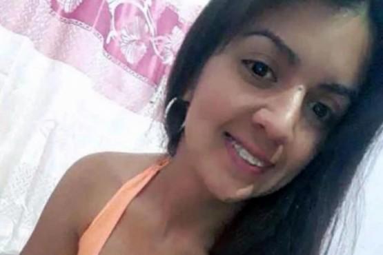 VÍCTIMA. Lorena tenía 28 años y murió en el hospital tras ser operada de urgencia. (Fuente: Chaco por Día).
