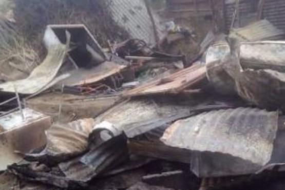 Piden ayuda para familia que perdió todo en el incendio del Newbery