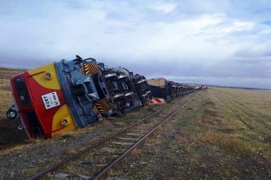 Descarriló y volcó un tren de YCRT que trasportaba 490 toneladas de carbón