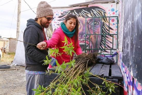 Además de embellecer la placita, buscan concientizar sobre el cuidado del medio ambiente. (C. González)