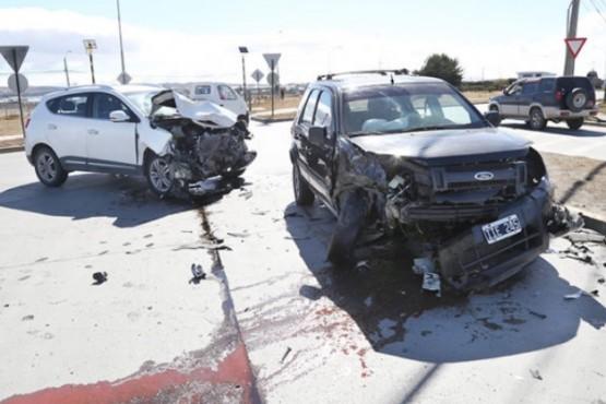 Argentino chocó entrando a Punta Arenas: tres heridos
