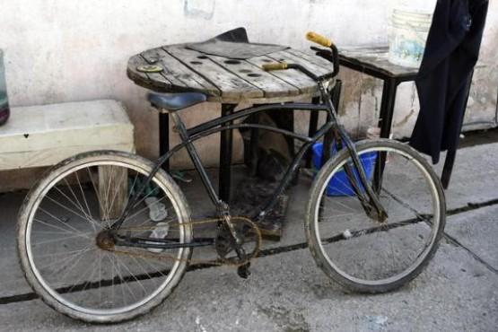 Una mujer quiere adoptar a dos nenes de 7 y 8 años que intentaron robarle una bicicleta