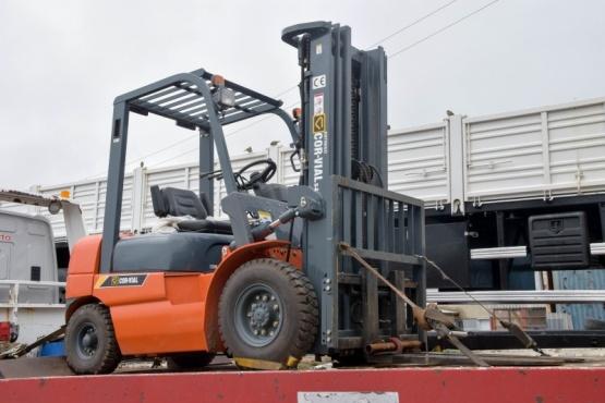 Más maquinaria para la planta de transferencia de residuos
