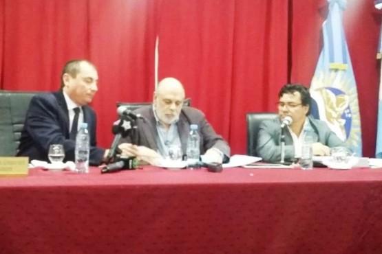 Entre bombos y sirenas, Giubetich habla en el Concejo Deliberante