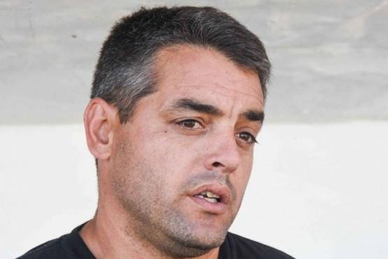 Jugador de Huracán de Comodoro dijo que el DT del equipo le pidió $5.000 para jugar