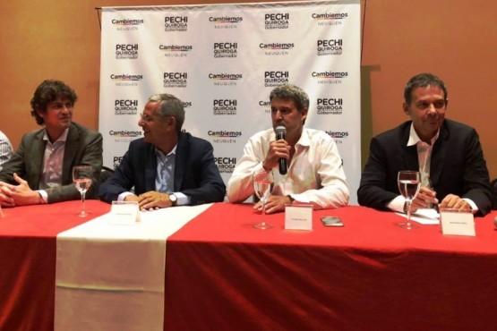"""Costa, Loustau y """"Pechi"""" Quiroga en cierre de campaña en Neuquén."""