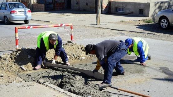 Caleta Olivia: Repararon las calles rotas por vándalos