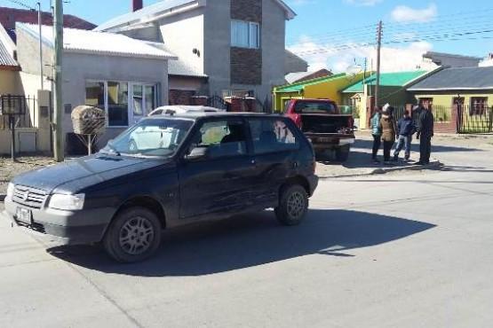 Tres vehículos involucrados y una mujer hospitalizada en colisión