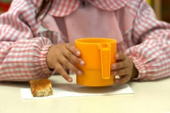 Juntan leche, cacao y galletitas para nenes de más de 15 merenderos