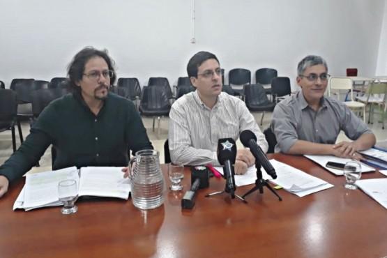 Bloque opositor enviará el contrato de Maxia a comisiones y dos ediles de la UCR lo aprobarán
