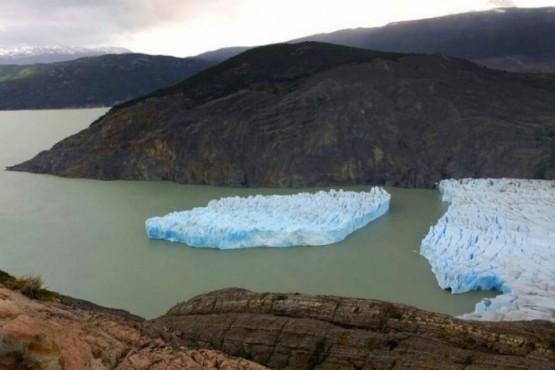Desprendimientos de un glaciar chileno preocupan a la comunidad científica