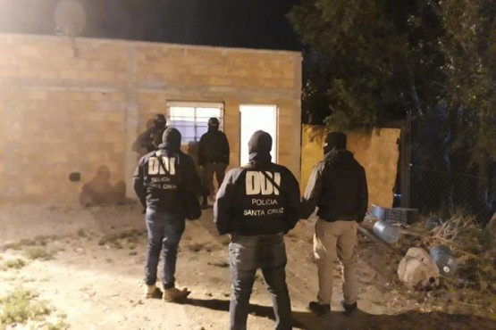 Desbaratan otra red de dominicanos narcos que operaba en Santa Cruz