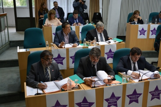 Diputados se suman al reclamo contra la violencia de género