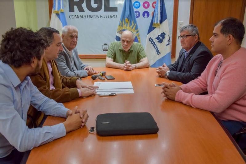 Acuerdo firmado entre el Municipio y el RENATRE.